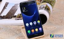 双侧曲面屏 三星Galaxy S7 edge热销中