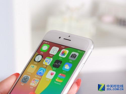 苹果iphone6正面采用一块4