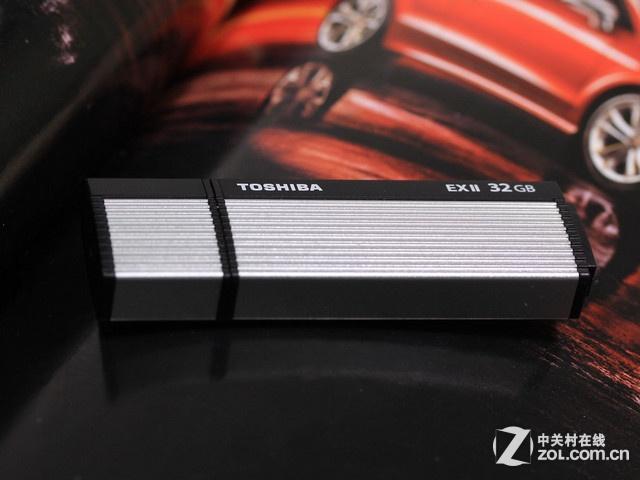 东芝 Osumi EX2 超高速(32GB) 外观图