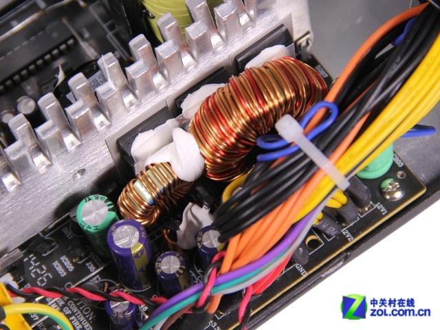 扎实的电路设计_影驰 待机王600s_机箱电源评测