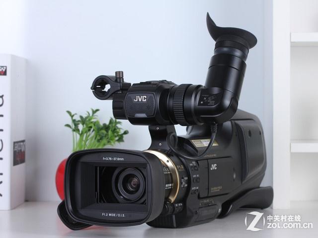 更新换代就换肩扛机 JVC摄像机HM95