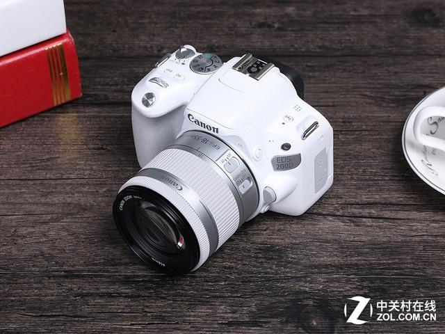 深圳IT网报道:白色迷你单反 佳能EOS 200D套机新低价